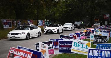 美國德州投票方式「違法」 12萬張選票恐「瞬間作廢」
