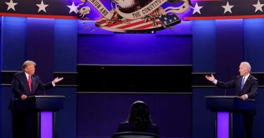 美總統大選前最後辯論 川普死咬「電郵門」
