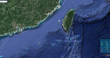 「神秘灣流專機」飛抵松山機場前 7架美軍機現蹤南海