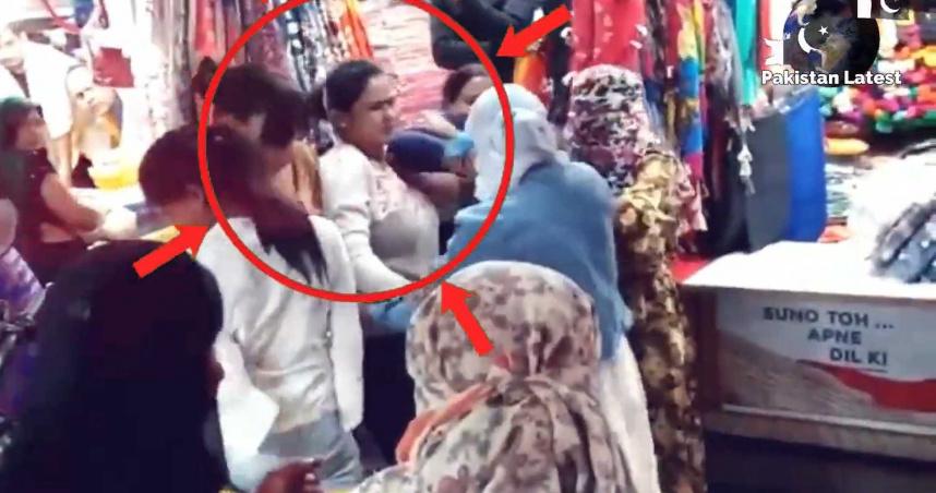 40歲大媽被叫「阿姨」暴怒!怒甩19歲少女巴掌 當街上演全武行