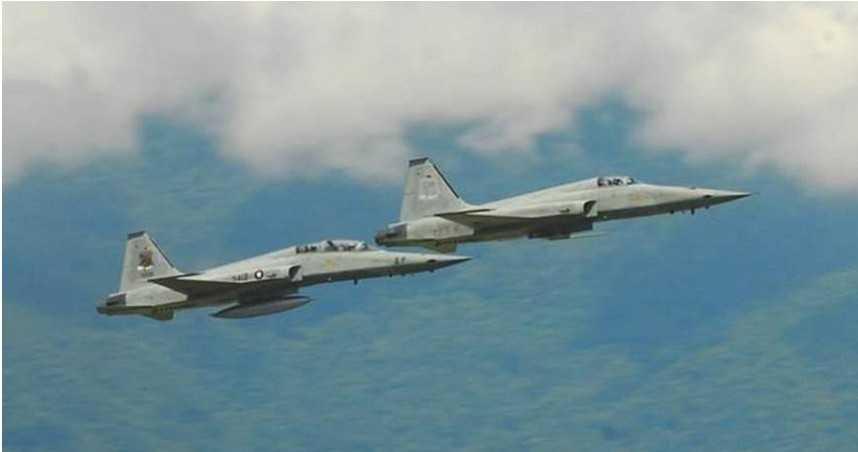 F-5E墜海/傳「僅1人跳傘」!飛官潘穎諄尚未尋獲…失事當下天氣曝