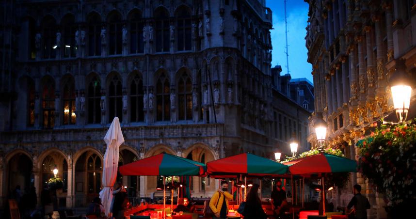 餐廳、酒吧關閉一個月!比利時疫情升級「國家最高警報」 耶誕市集喊卡