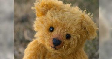5歲兒逛超市遇「陌生阿姨送泰迪熊」…催淚原因曝 母感動:她是天使