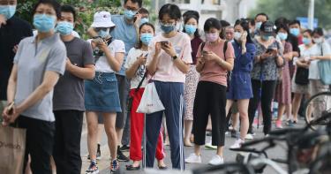 日女留學生確診「無症狀感染」!醫親揭各國數據:易成防疫破口