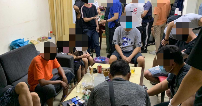 17賭徒手癢群聚「推筒子」 不怕死帶8歲女童陪賭