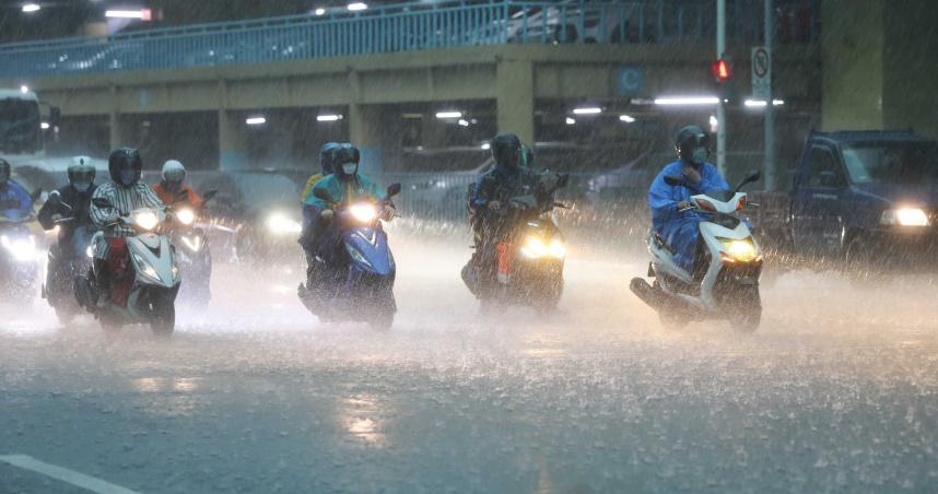 南高屏豪大雨特報!水利署淹水警報 高雄路竹區及湖內區列一級警戒