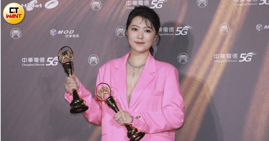 金曲32/曹雅雯爭議中奪兩大獎 台語歌后+最佳台語專輯入袋