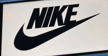 兒子刷自己信用卡搶限量鞋「折扣很多」 Nike北美總經理引咎下台