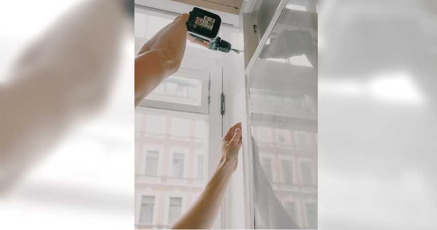 偷拍女同事洗澡被發現 240G記憶卡全都是洗香香畫面