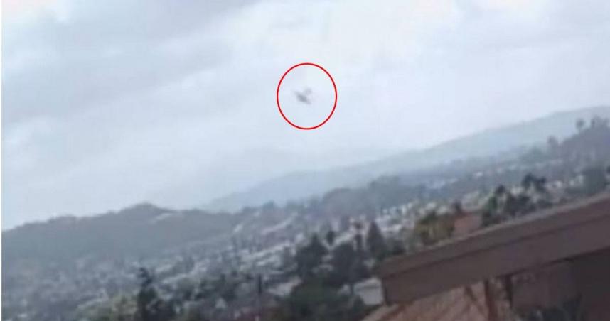 小飛機失控撞毀加州郊區 烈焰沖天燒毀2民宅釀至少2死
