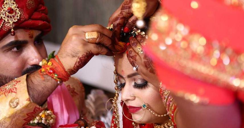 婚禮當天月經來了!新娘儀式完才說「尪暴怒休妻」 連婆婆也不挺