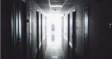 醫院空床「嗶嗶嗶狂響」…太平間突上來收!護理師愣住 曝最可怕是這個