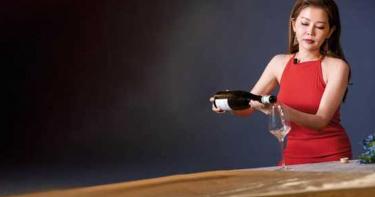 【美女品酒師4】張愷芝推薦2款優質葡萄酒