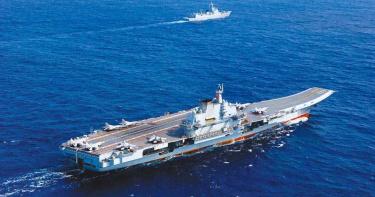 美機進東沙領空! 解放軍雙航母聯合軍演「恐繞台表態」