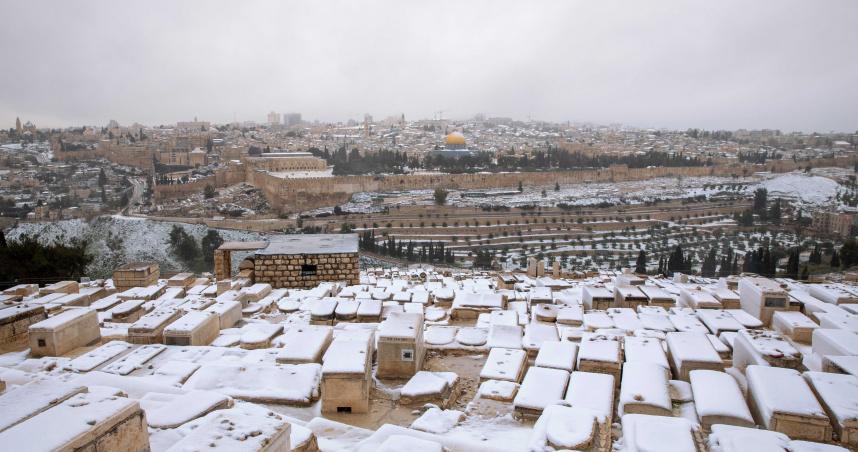 氣候異常!中東北非「大雪蓋黃砂」 罕見奇景背後原因出爐