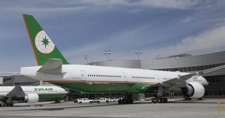 長榮飛關島航班「降落擦到跑道重飛」!機上158人均安