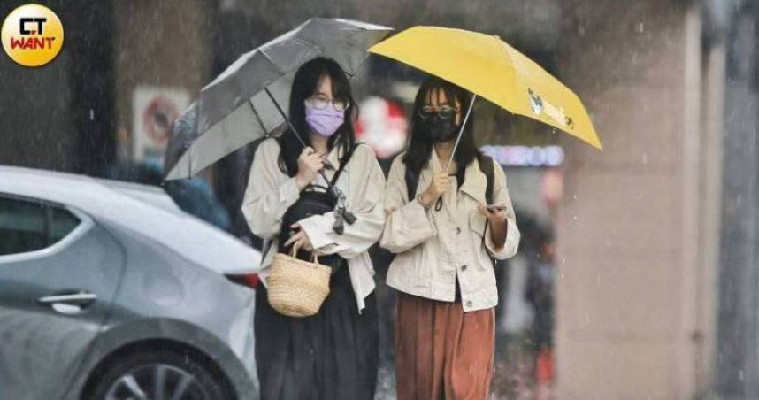 午後對流旺盛「雨彈來襲」!氣象局發布10縣市大雨特報