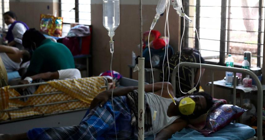 不只新冠!印度爆罕見疾病…死亡率超高 近9000人中標「患者摘眼睛保命」