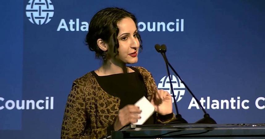 阿富汗落跑總統女兒見記者急關門!24歲才回國 自認是「紐約客」