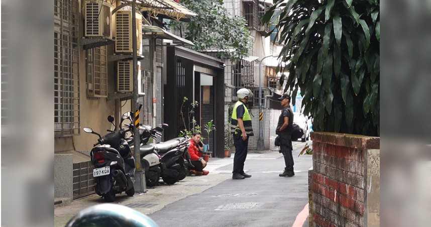萬華西藏路民宅3人燒炭輕生 1女命危送醫搶救