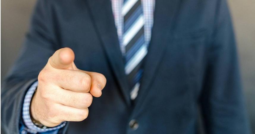 因外婆過世向主管請假 銀行女職員遭酸:妳跟她很親嗎?