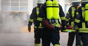 婦人熱愛消防員當女婿 問遍台南消防隊欲幫女兒牽紅線
