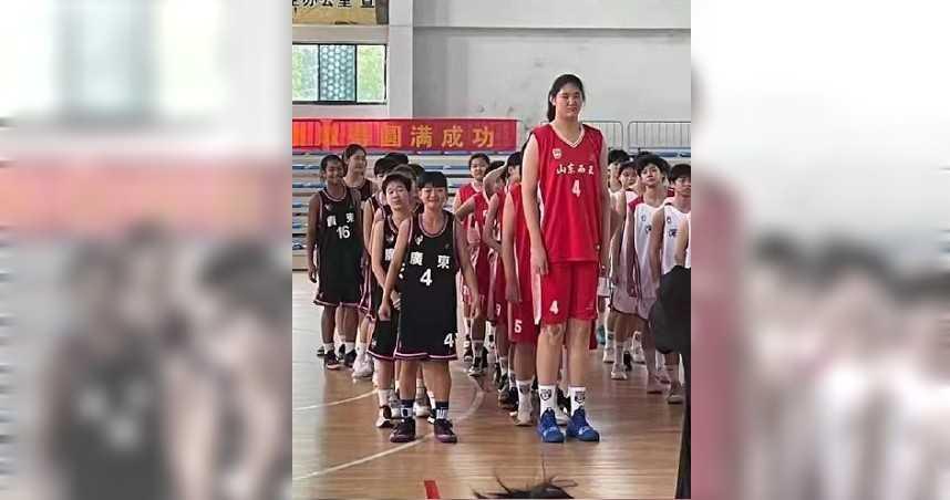 追平姚明!14歲少女身高226公分…爸媽都是職業籃球員 網驚:未來世界冠軍