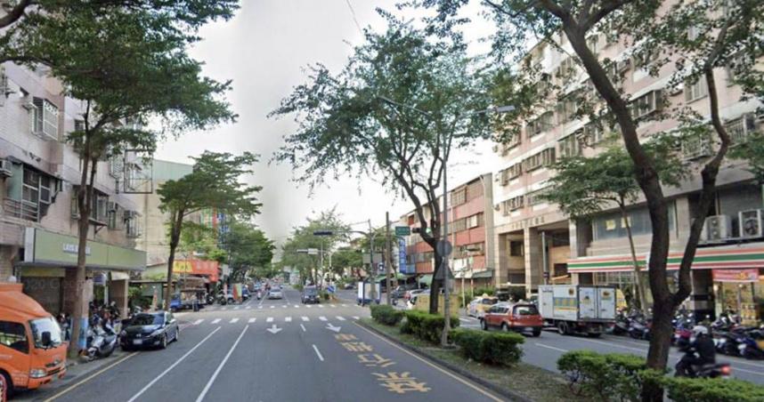 台中大里傳墜樓意外 75歲婦撞斷照明燈再撞機車⋯躺臥人行道亡