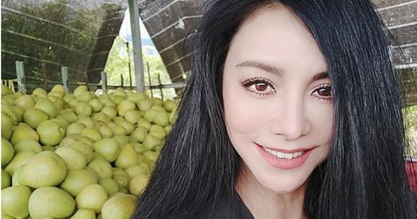 54歲美魔女被偶遇!田麗自嘲「總是在菜市場被逮到」 鄉親揭「私下震撼美貌」