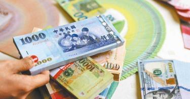 棄守了! 央行放滙率升破29.5元「楊金龍防缐」