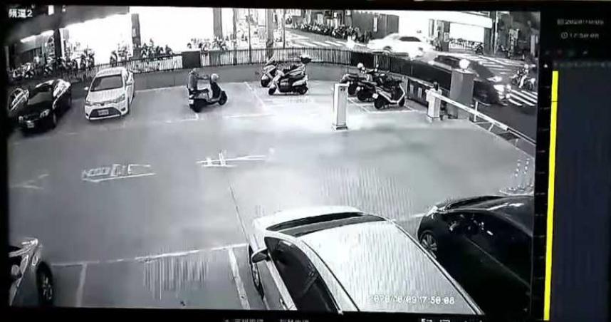 重機被移氣炸!妹妹一看畫面笑翻 差點報警抓了「他」:真看不出來