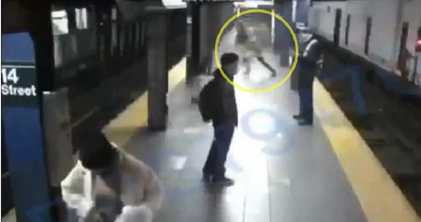 列車即將進站!女竟遭陌生男子「狠推下月台」...她躲空隙逃死劫