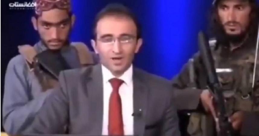 塔利班闖電視台 持槍脅持主播「好好講話」…42秒影片瘋傳