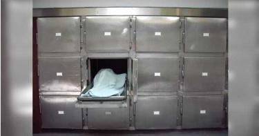 冰櫃打開竟是男屍!孝子崩潰 他也傻住...領錯遺體「把別人媽媽燒了」