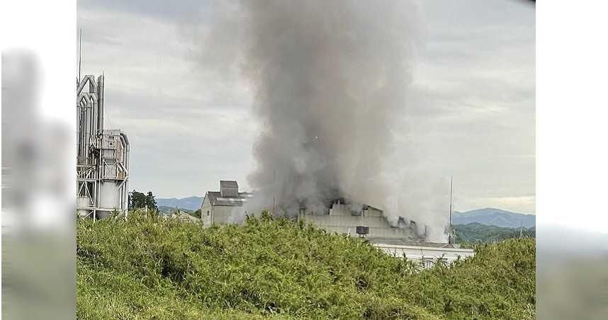 日本福島化工廠爆炸!火勢延燒3小時 民眾見蘑菇雲嚇傻