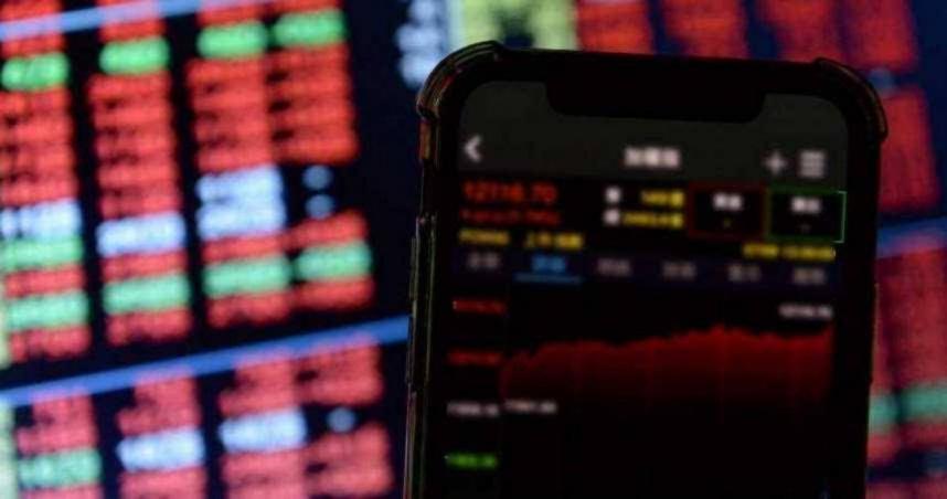 5大原因衝擊美股 道瓊盤中一度跌近千點!收跌614點