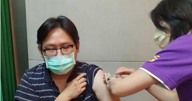 國產疫苗力拚2期完成獲EUA 7月開打 前台大醫:僅俄羅斯、中國這樣做過
