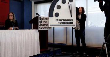 「末日時鐘」調快僅剩100秒! 73年來最接近人類毀滅