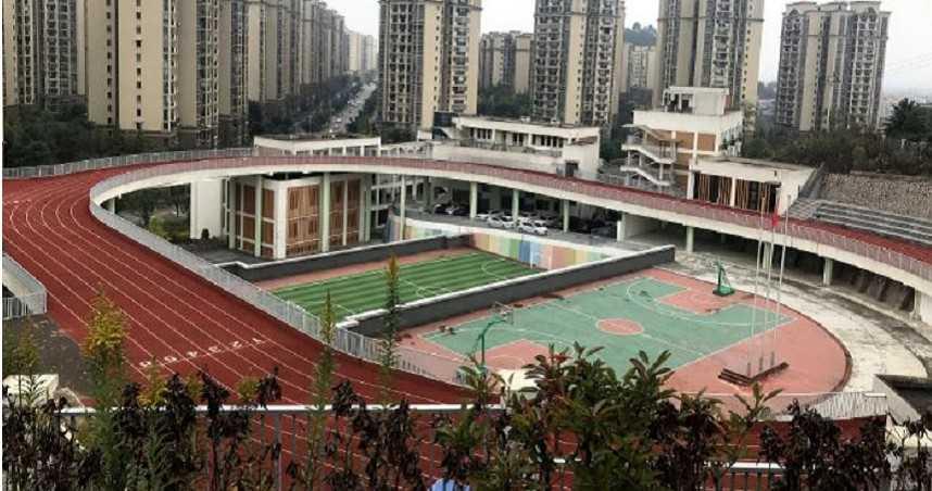 大陸小學打造「3D魔幻體育場」 網嘆:以後跑步不能偷懶了