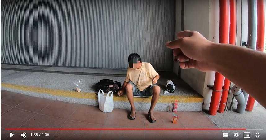 副站長不夠大?規勸抽菸不戴罩男 遭反嗆「我站長咧!」