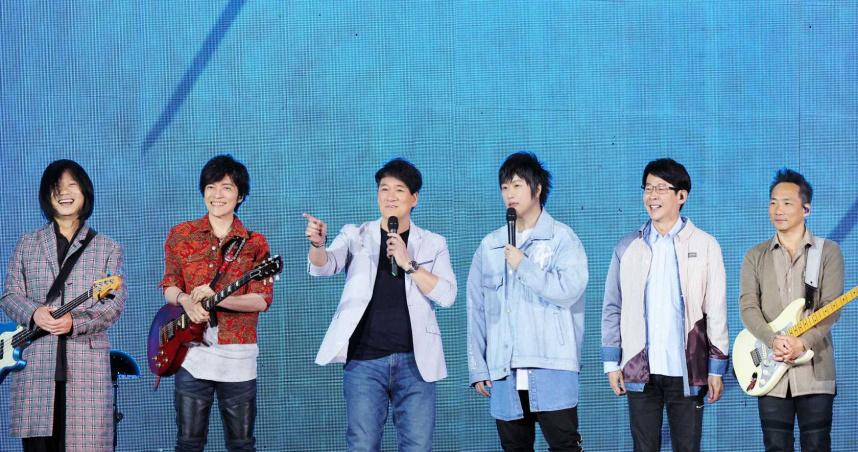 台南人瑪莎「鮭魚返鄉」 周華健見習南台灣歌迷熱情如火