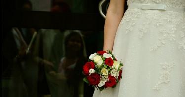 邀前男友參加婚禮! 「一張紙條」讓新娘當晚被趕出家門