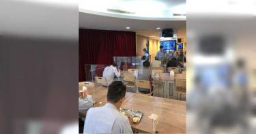 獨/中鋼防疫出大絕 員工餐廳設隔板避口沫傳染