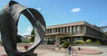 法國大學「43名醫學生確診」!疑參加私人迎新派對染疫 校方急宣布停課