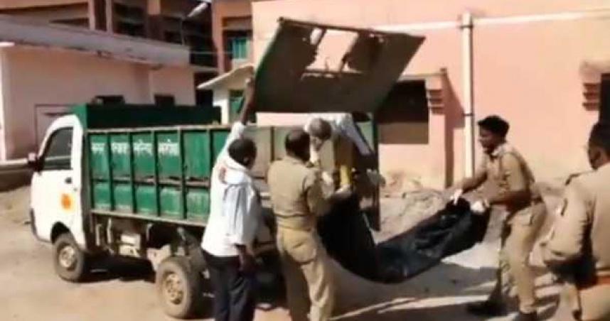 男子染疫身亡家屬拒絕領屍 警察將遺體丟垃圾車送交火葬