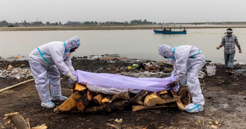 連燒也不燒!印度河流出現12具死屍 疑似上游城鎮直接放水流
