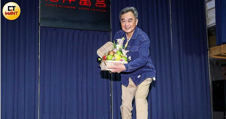 陳昇現身認罹口腔癌 哽咽曝與35年愛妻「有約定」