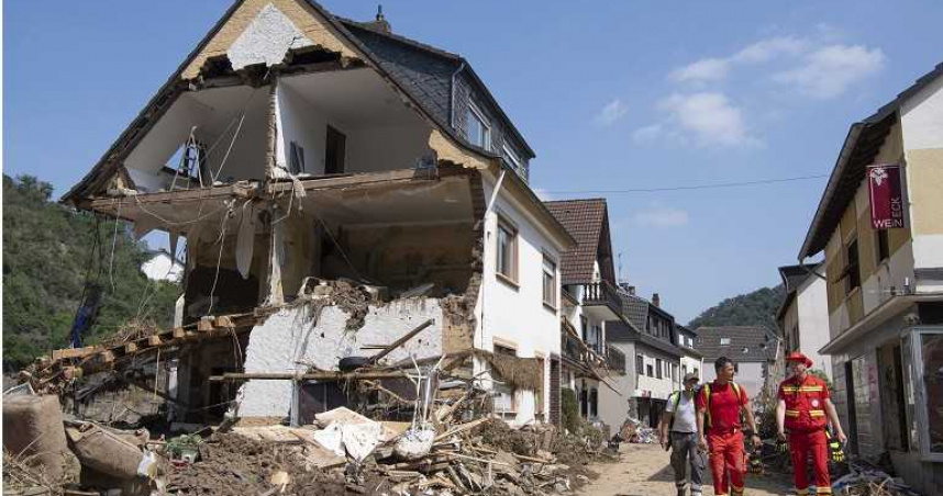 德國洪災現場驚現這一幕 「災難觀光團」趁火打劫災民怒了