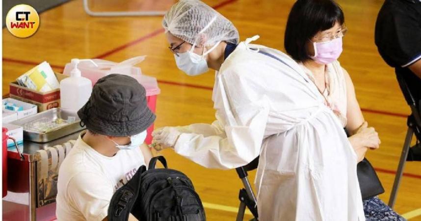 好消息!自購108萬劑莫德納疫苗 17日晚間抵台