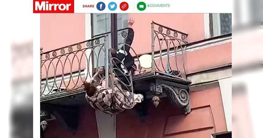 年輕夫妻陽台吵架 下秒雙雙墜落7公尺高陽台嚇壞路人